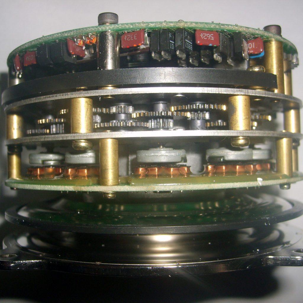 Absolute Encoder - precizia mașinilor unelte cu comandă numerică Okuma