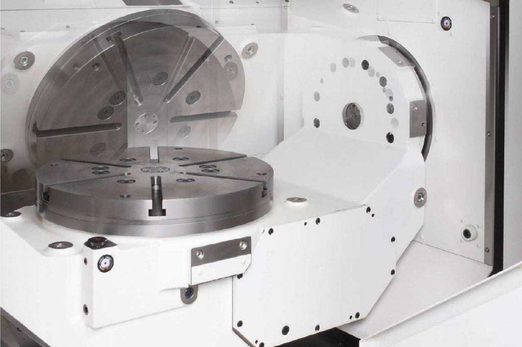 Okuma MU-8000V - masă trunnion
